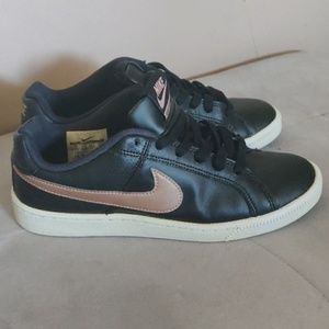 Nike court Royale women shoes